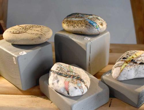 Arti's#14 Claudie Sadkowski : cailloux-bijoux et tableaux